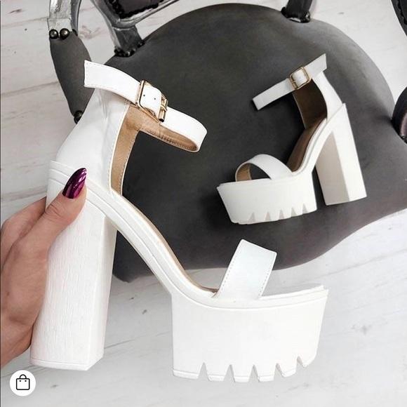 Lasula White Chunky Platform Heel